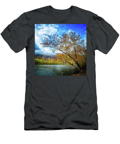 New River In Fall Men's T-Shirt (Athletic Fit)