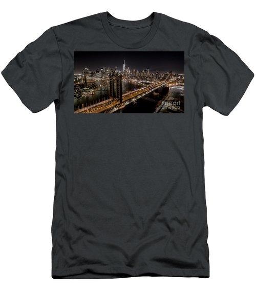 New York City, Manhattan Bridge At Night Men's T-Shirt (Athletic Fit)