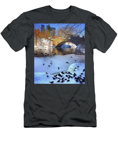 New York In The Winter Men's T-Shirt (Athletic Fit)
