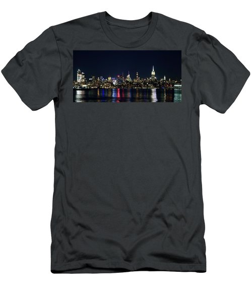 New York Skyline Men's T-Shirt (Athletic Fit)