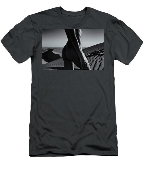 Nude On Desert Sandy Dunes Men's T-Shirt (Slim Fit)