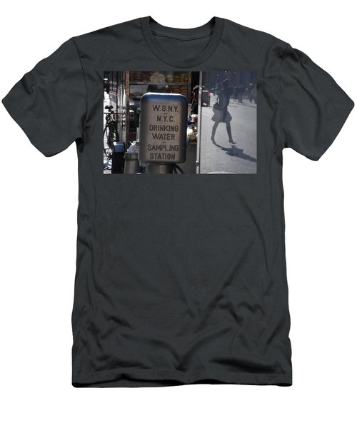 Men's T-Shirt (Slim Fit) featuring the photograph Nyc Drinking Water by Rob Hans