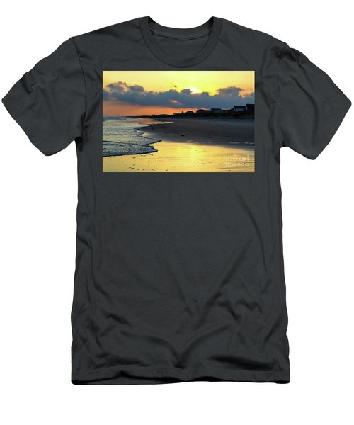 Oak Island Yellow Sunset Men's T-Shirt (Athletic Fit)