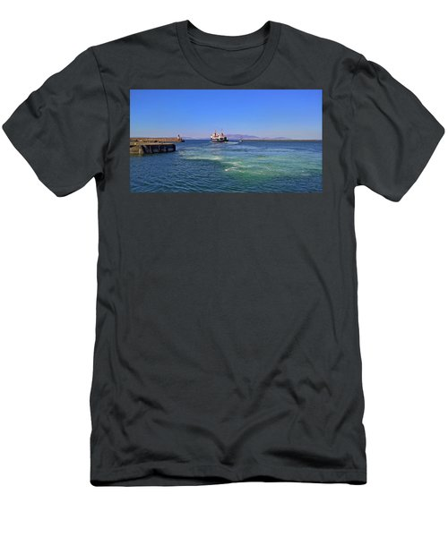 Off To The Sea We Go Men's T-Shirt (Athletic Fit)