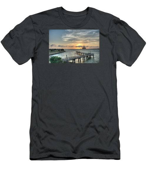 Oil Rig In Gulf Men's T-Shirt (Athletic Fit)