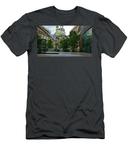 Old And New Buildings In London Men's T-Shirt (Athletic Fit)