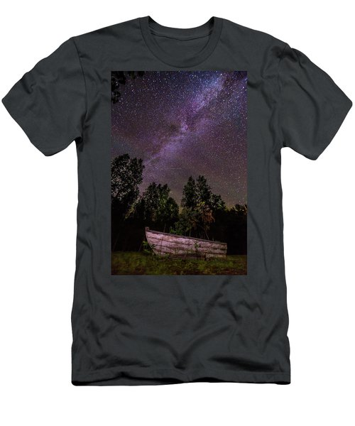 Old Boat Under The Stars Men's T-Shirt (Athletic Fit)