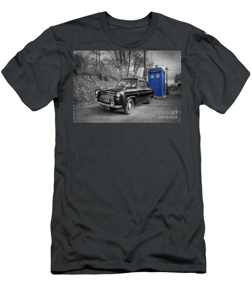 Old British Police Car And Tardis Men's T-Shirt (Athletic Fit)