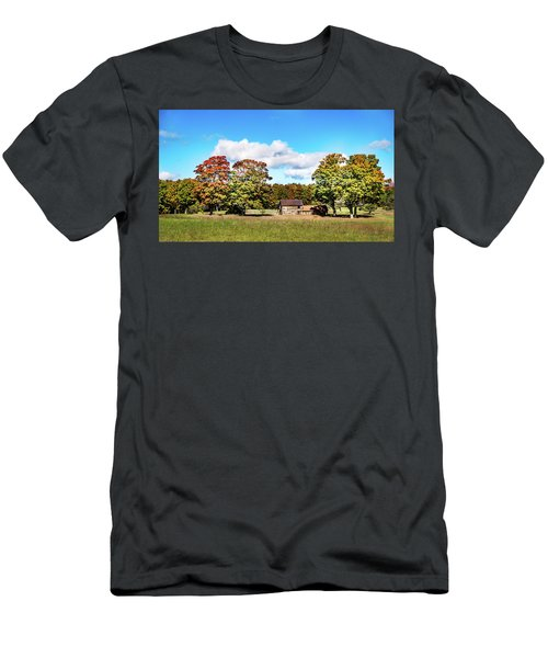 Old Farm House Men's T-Shirt (Athletic Fit)