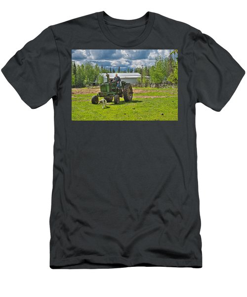 Old Farmer Old Tractor Old Dog Men's T-Shirt (Athletic Fit)