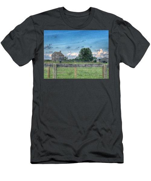 Old Farmhouse Men's T-Shirt (Athletic Fit)