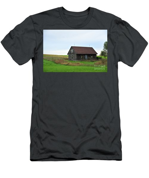 Old Log Cabin Men's T-Shirt (Athletic Fit)