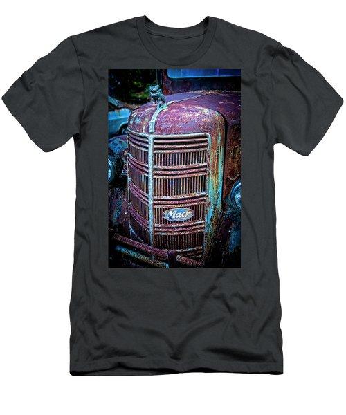 Old Mack Grille Men's T-Shirt (Athletic Fit)
