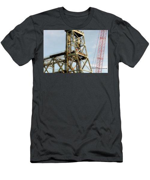 Old Memorial Bridge Men's T-Shirt (Athletic Fit)