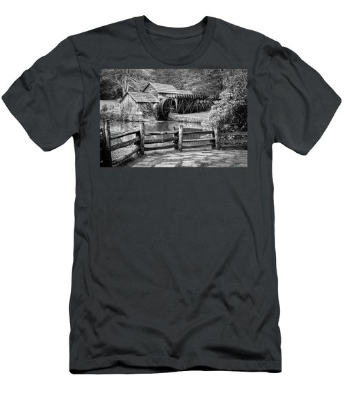 Old Mountain Morning Men's T-Shirt (Athletic Fit)