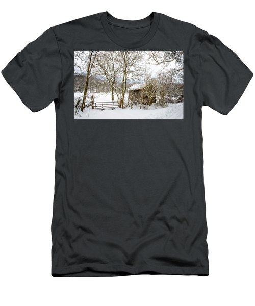 Old Post Office In Snow Men's T-Shirt (Athletic Fit)