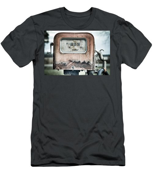 Old Pump Men's T-Shirt (Athletic Fit)