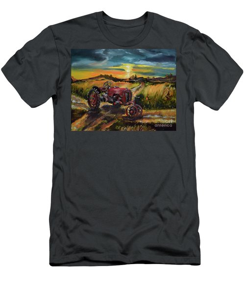 Old Red At Sunset - Tractor Men's T-Shirt (Athletic Fit)