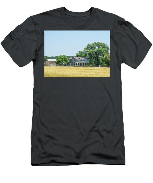 Old Texas Farm House Men's T-Shirt (Athletic Fit)