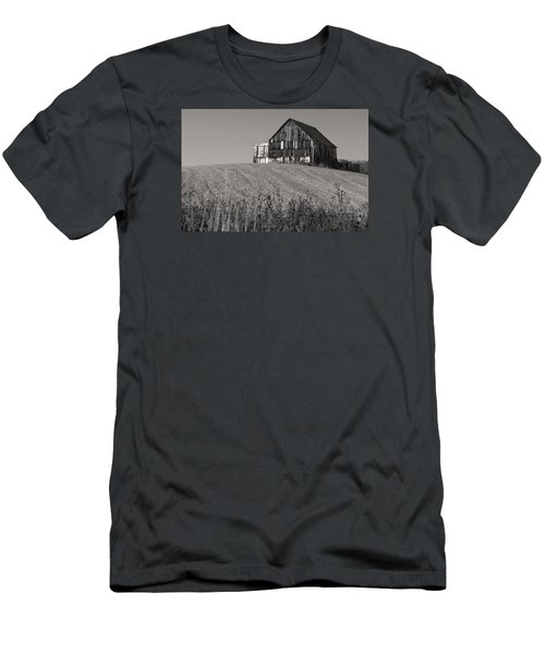Old Tobacco Barn Men's T-Shirt (Athletic Fit)