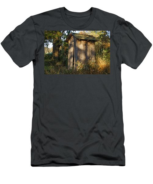 Old Valley Forge Outhouse Men's T-Shirt (Athletic Fit)