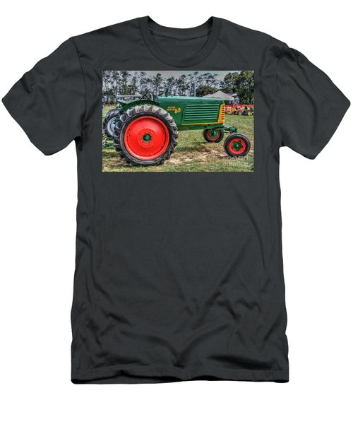Oliver Tractor Row Crop 88 Li.ny Men's T-Shirt (Athletic Fit)