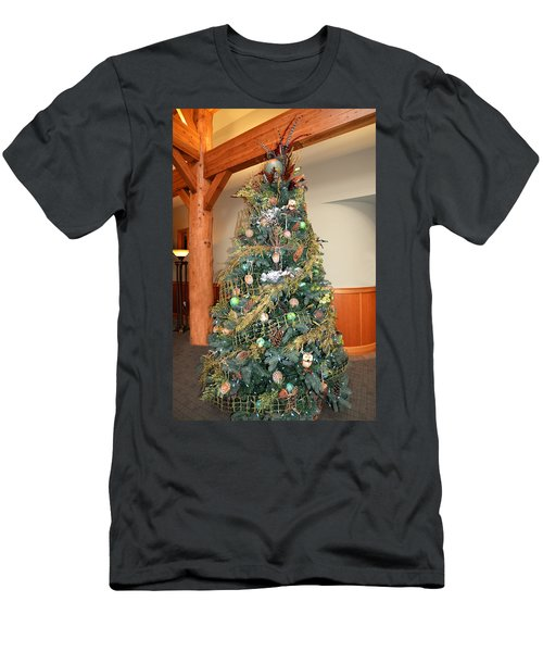 Owl Xmas Tree Men's T-Shirt (Athletic Fit)
