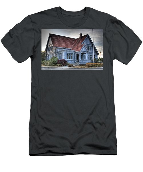 Painted Blue House Men's T-Shirt (Athletic Fit)