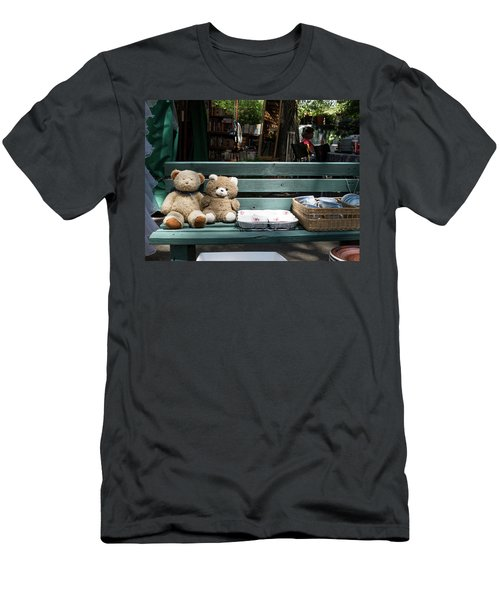 Teddy Bear Lovers On The Banch Men's T-Shirt (Athletic Fit)