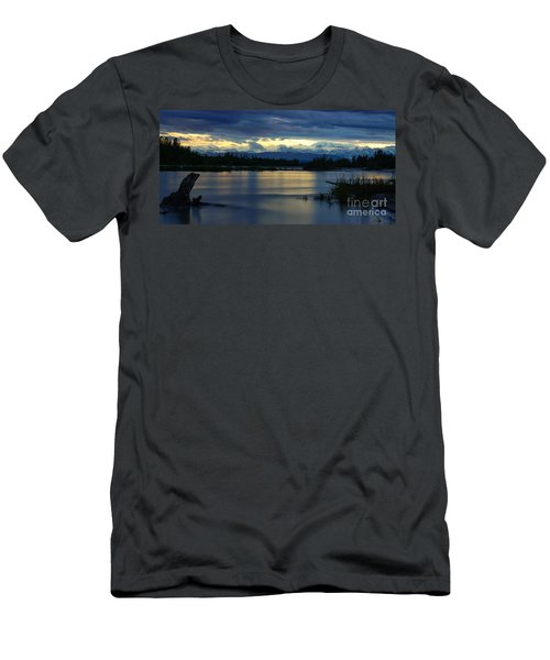 Pano Alaska Midnight Sunset Men's T-Shirt (Athletic Fit)