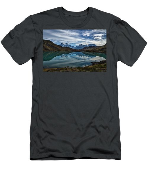 Patagonia Lake Reflection - Chile Men's T-Shirt (Athletic Fit)