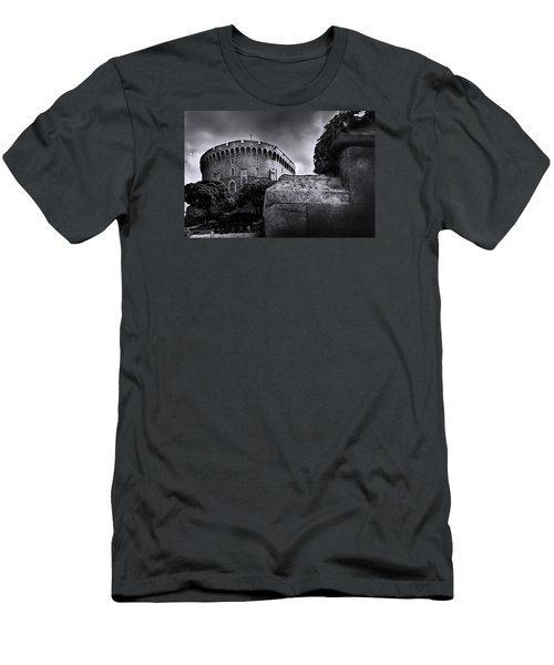 Peak At The Tower Men's T-Shirt (Athletic Fit)