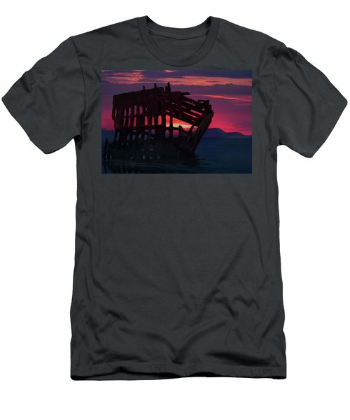 Peter Iredale Shipwreck Men's T-Shirt (Athletic Fit)