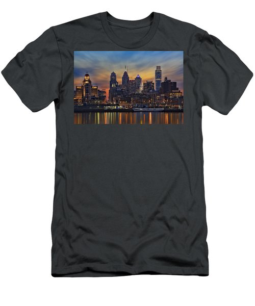 Philadelphia Skyline Men's T-Shirt (Athletic Fit)