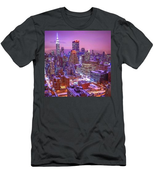 Pink Sky Above New York City Men's T-Shirt (Athletic Fit)