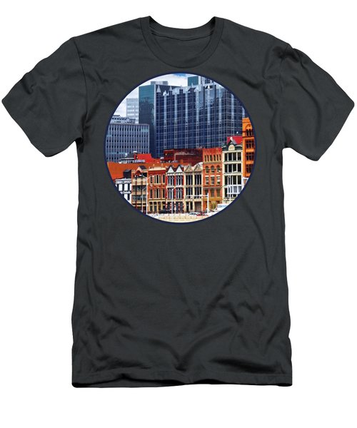 Pittsburgh Pa Skyline Closeup Men's T-Shirt (Slim Fit)