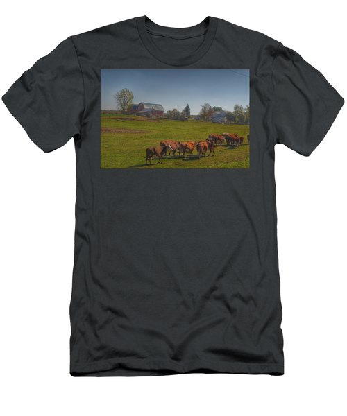 1014 - Plain Road Farm And Cows I Men's T-Shirt (Athletic Fit)