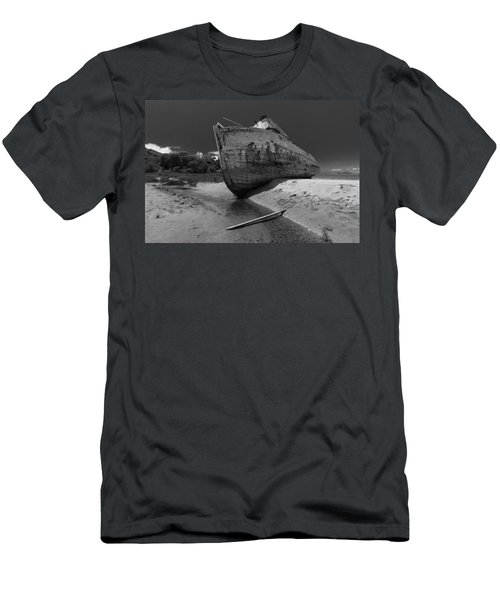 Point Reyes Boat Men's T-Shirt (Athletic Fit)