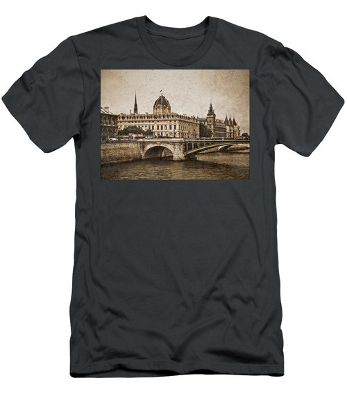 Paris, France - Pont Notre Dame Oldstyle Men's T-Shirt (Athletic Fit)