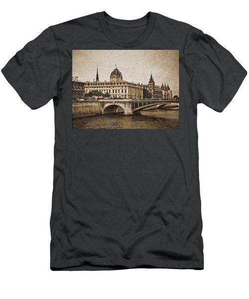 Paris, France - Pont Notre Dame Oldstyle Men's T-Shirt (Athletic Fit)