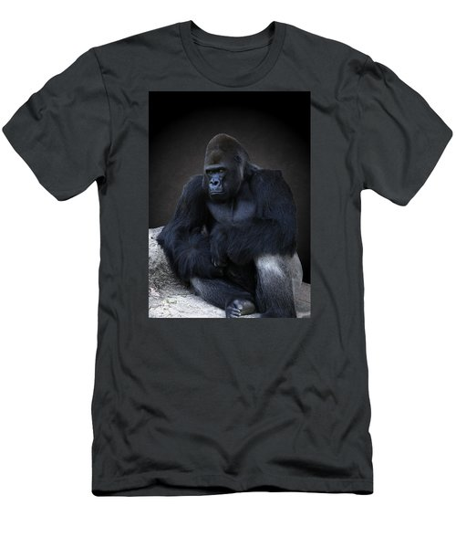 Portrait Of A Male Gorilla Men's T-Shirt (Athletic Fit)