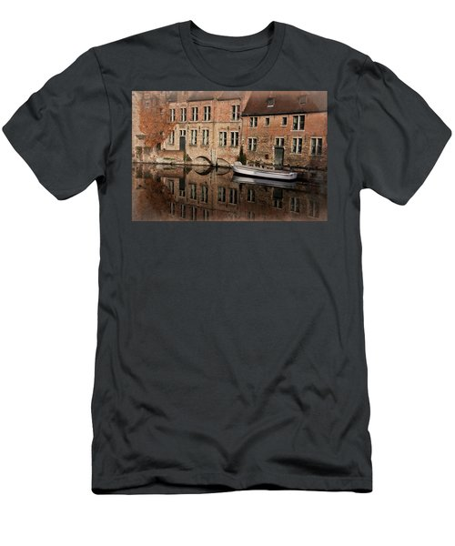 Postcard Canal II Men's T-Shirt (Athletic Fit)
