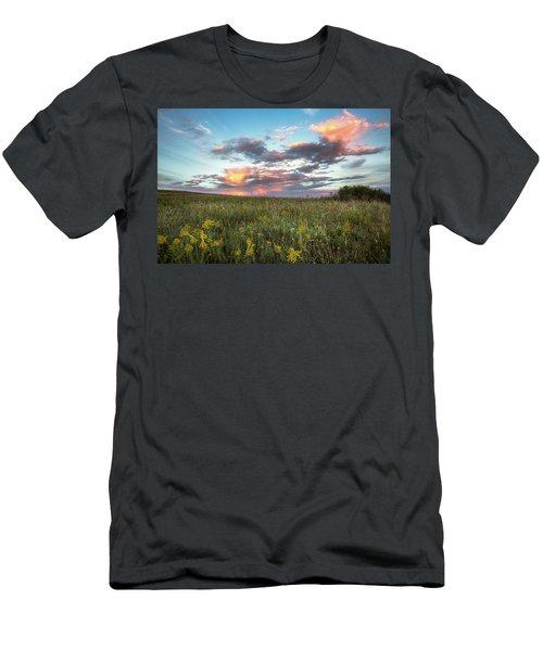 Prairie Fire - Beautiful Sky Over Tallgrass Prairie In Oklahoma Men's T-Shirt (Athletic Fit)