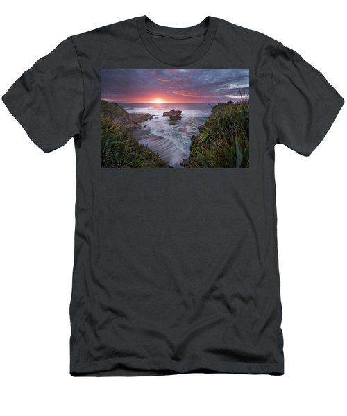 Punakaiki Men's T-Shirt (Athletic Fit)