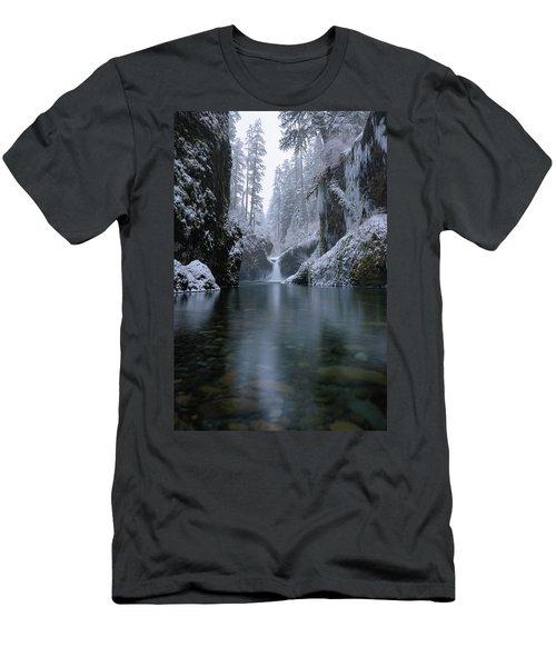 Punch Bowl Winter Men's T-Shirt (Athletic Fit)