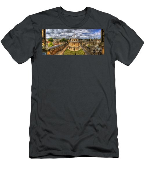 Radcliffe Camera Panorama Men's T-Shirt (Athletic Fit)