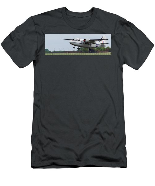 Raf Scampton 2017 - Hunting Percival P 66 Pembroke Taking Off Men's T-Shirt (Athletic Fit)