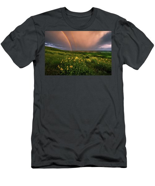 Rainbow At Steptoe Butte Men's T-Shirt (Athletic Fit)