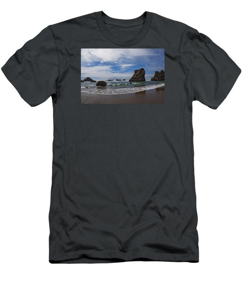 Receding Wave Men's T-Shirt (Athletic Fit)