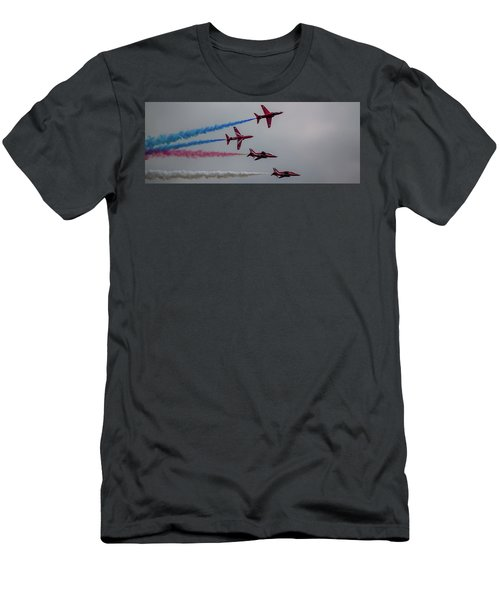 Red Arrows Break Off - Teesside Airshow 2016 Men's T-Shirt (Athletic Fit)
